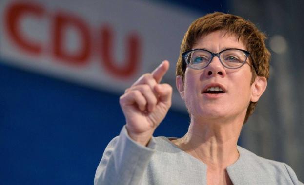 Лидерът на управляващия в Германия Християндемократически съюд (ХДС) Анегрет Крамп-Каренбауер