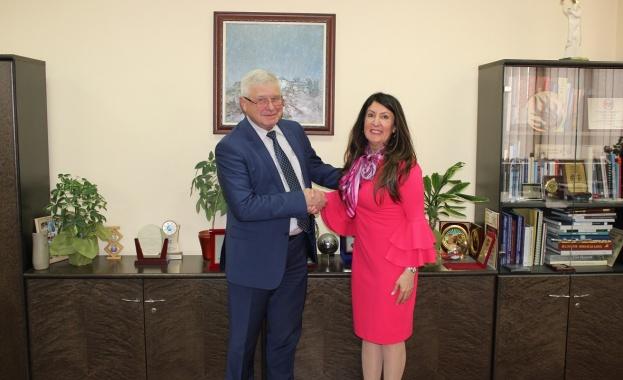 Диалогът между България и Съединените американски щати в областта на