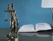 Прокуратурата разгроми битовата престъпност: Конфискува 7 кубика дърва, 4 литра ракия и 20 кила арпаджик