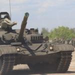 Русия пусна кадри от бойна стрелба на модернизирания танк Т-72