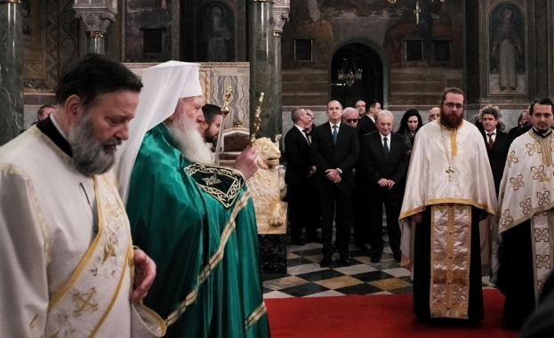 С учредяването на Екзархията през 1870 г. българският народ се