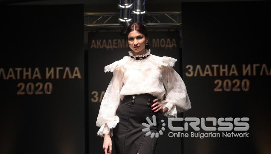 """Предложения от колекция """"Пътуване във времето"""" на модна къща Romantika Fashion с дизайнер София Борисова."""