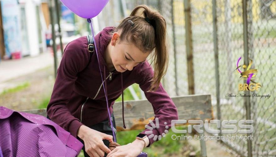 Заниманията на открито с кондиционния треньор  Цветелина Кирилова започнаха с отпразнуването на рождения ден на Мадлен Радуканова   Facebook: Българска федерация художествена гимнастика - Официална страница