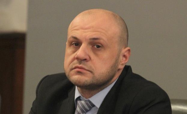 Дончев разкри защо е поискана оставката на Бисер Петков