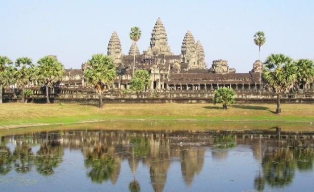 Камбоджа отваря за туристи от ноември