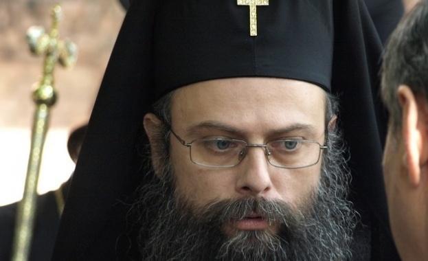 Митрополит Николай призова за обща молитва срещу COVID-19