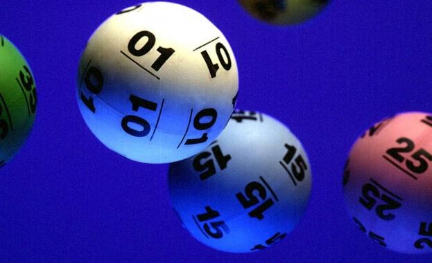 Американец от град Детройт удари джакпота в лотария, след като