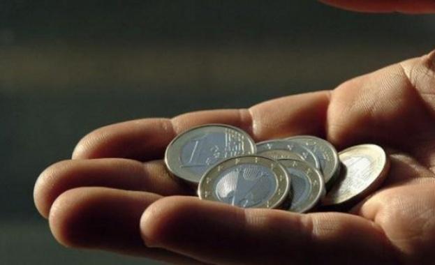 Евростат: Делът на хората в риск от бедност е най-голям в България