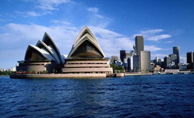 Хиляди австралийци протестират срещу поредния локдаун в двата най-големи града
