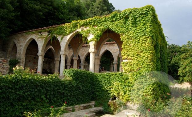 Университетската градина в Балчик постави началото на ботаническа галерия на открито