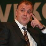 Акциите на Левски са в София и са джиросани на Наско Сираков