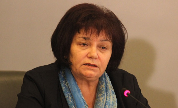 Янка Такева: Синдикатът подкрепя идеята за един учебник за дисциплина