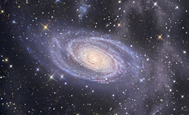 НАСА публикува нова снимка от сърцето на галактиката Млечен път,