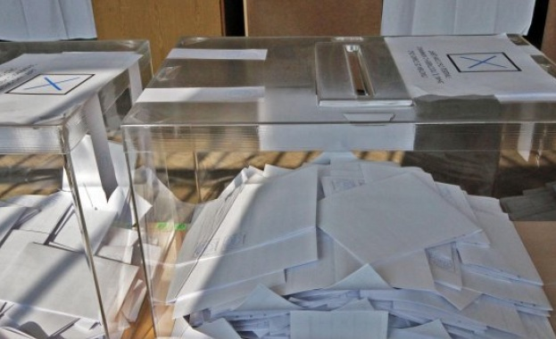 При вероятно най-високата избирателна активност на референдум в страната 73