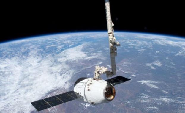 """НАСА разреши изстрелването на корабa """"Дракон"""""""