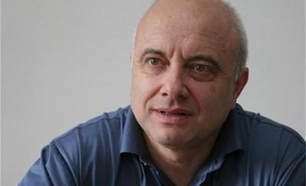 Васил Тончев: Турбуленцията ще изплаши много хора - печели статуквото, губи протестът