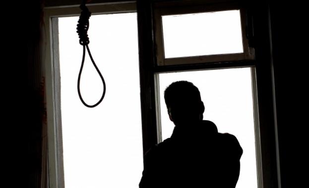 Двама българи на ден се самоубиват!