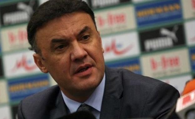 Борислав Михайлов остава начело на Българския футболен съюз