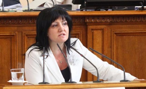 Цвета Караянчева: Няма да позволя в НС да се правят провокации
