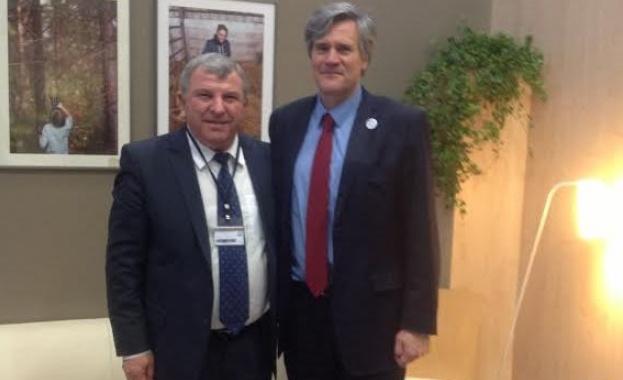 Министър Греков се срещна с френския си колега в Париж