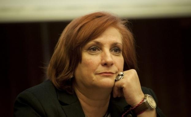 Евродепутатът Искра Михайлова съобщи, че е заразена с коронавирус. В