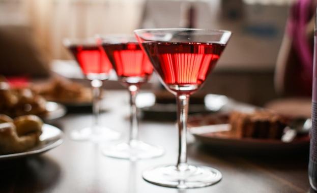 Дубай разрешава употребата на алкохол от туристите