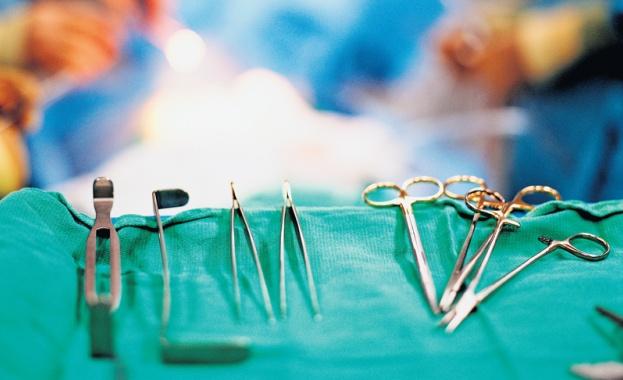 Уникална трансплантация на ръце и рамене беше извършена за първи