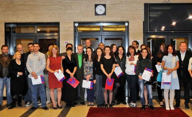 """Първият випуск на """"Училище за радио"""" на БНР се дипломира"""