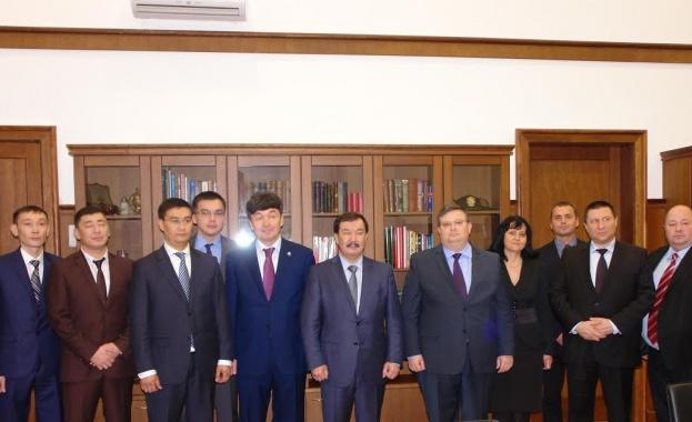 Цацаров се срещна с генералния прокурор на Казахстан