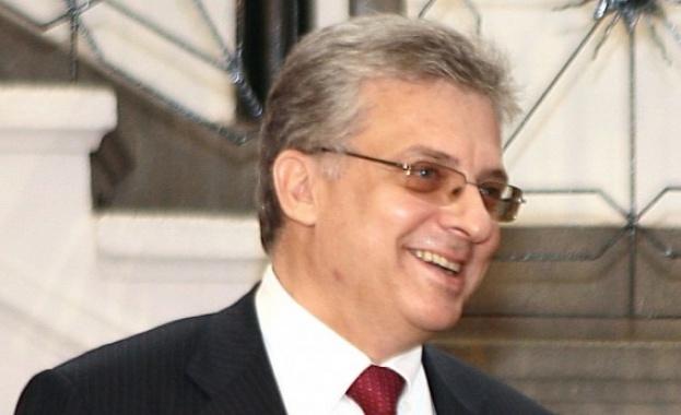 Борисов уволни Калин Митрев от Съвета на директорите на ЕБВР, за да върне Стефка Славчева