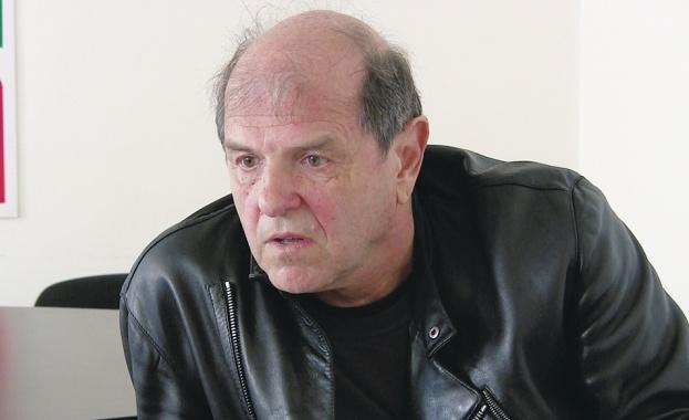 Тома Томов: България вижда мрака и мракът гледа България