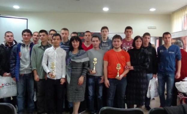 20 ученици отличени в Националното състезание по компютърни мрежи