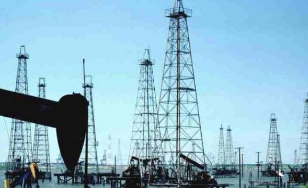 Петролът поскъпна драстично след атаките в Саудитска Арабия