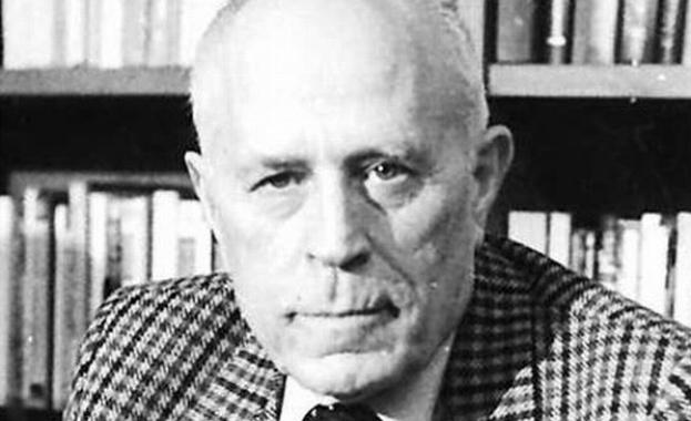 102 години от рождението на Николай Хайтов