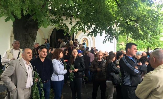 Църквата в Червен бряг посрещна граждани и гости на града с концерт