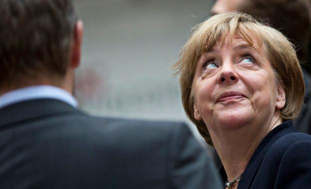 """""""Шпигел"""": Меркел ще реши идната есен дали иска нов мандат"""