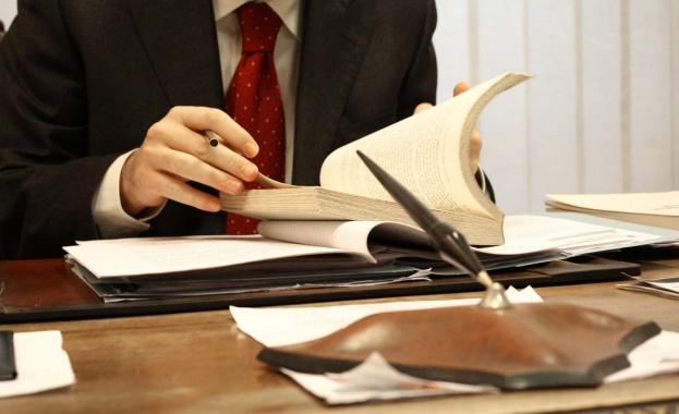 Oбединението на свободните адвокати се присъедини към искането на пет