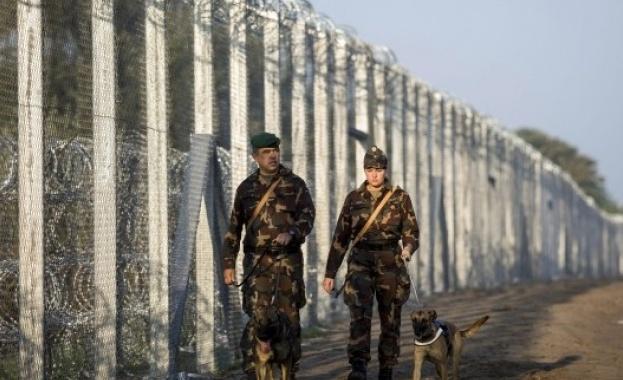 Брюксел даде на Унгария месец да започне да дава храна на мигранти по границата