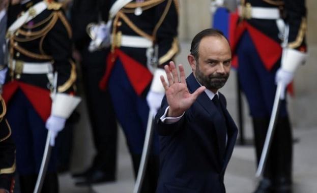 Френският премиер Едуар Филип подаде оставка, съобщи Елисейският дворец. С