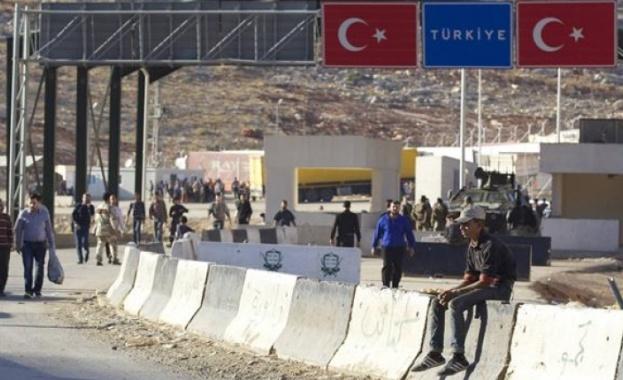 Турската страна ще улесни от юни влизането на пътуващите и