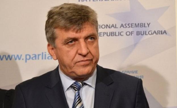 """Манол Генов към министър Нено Димов: Очакваме да поемете отговорност за пожара на АМ """"Струма"""""""