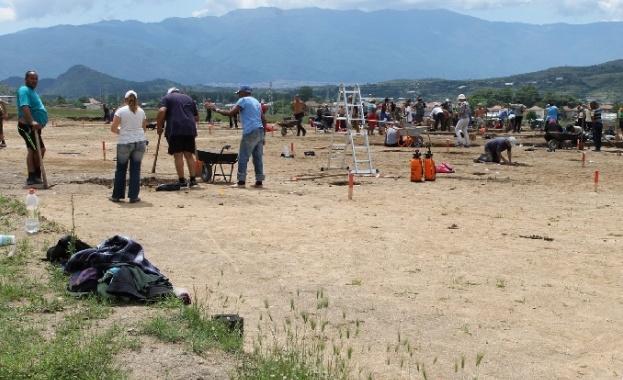 Сблъсък на цивилизации разкриха при мащабните разкопки край Дамяница