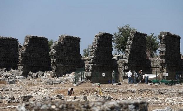 Древен град в Турция удивлява археолози