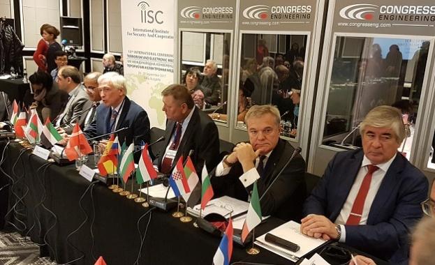 Румен Петков: Жизнено важно е медиите да не се превръщат в инструмент на тероризма