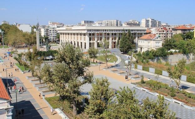 """Бургас ще отбележи 24 май с камбанен звън, """"Върви, народе възродени"""" и събития на открито"""