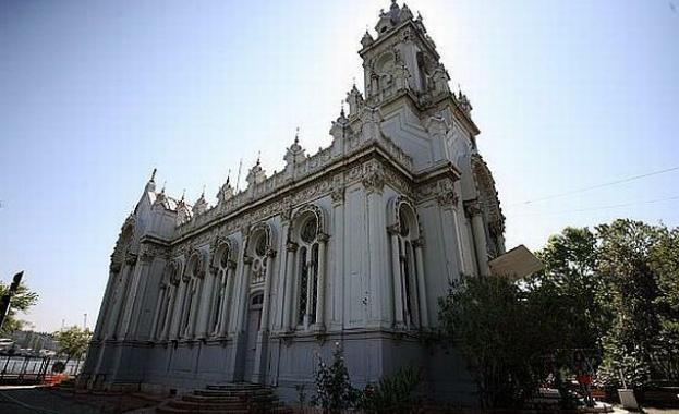 Затвориха Желязната църква в Истанбул