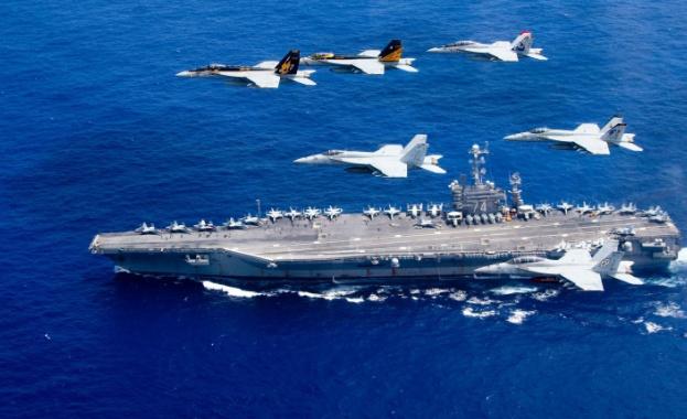 """Десетки моряци на борда на самолетоносача """"Теодор Рузвелт"""