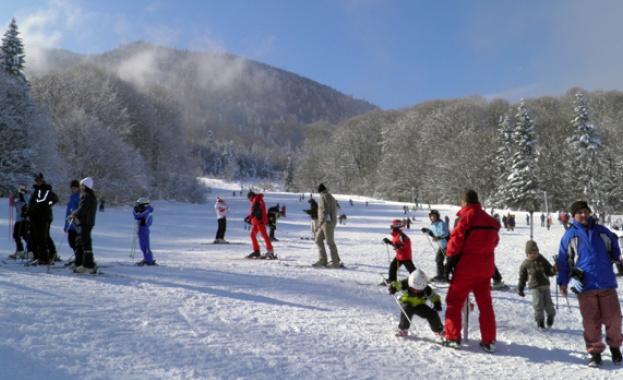 """Ски писта """"Кулиното""""е отворена за любителите на зимните спортове."""