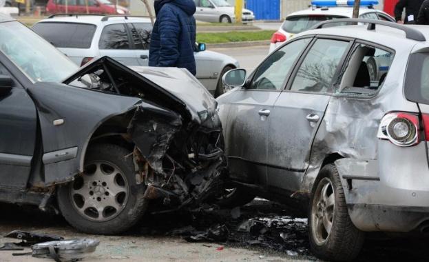 Верижна катастрофа е станала на изхода на София, съобщи вътрешният