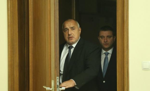 Борисов се ядоса на хората, които пътуват и каза, че няма да им плаща карантината